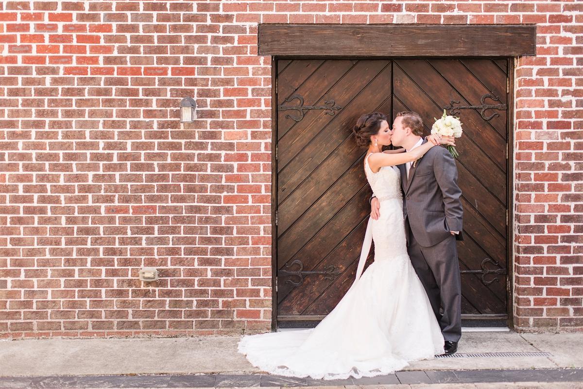 A Blush Colored Rustic Williamsburg Winery Wedding Photo_0983