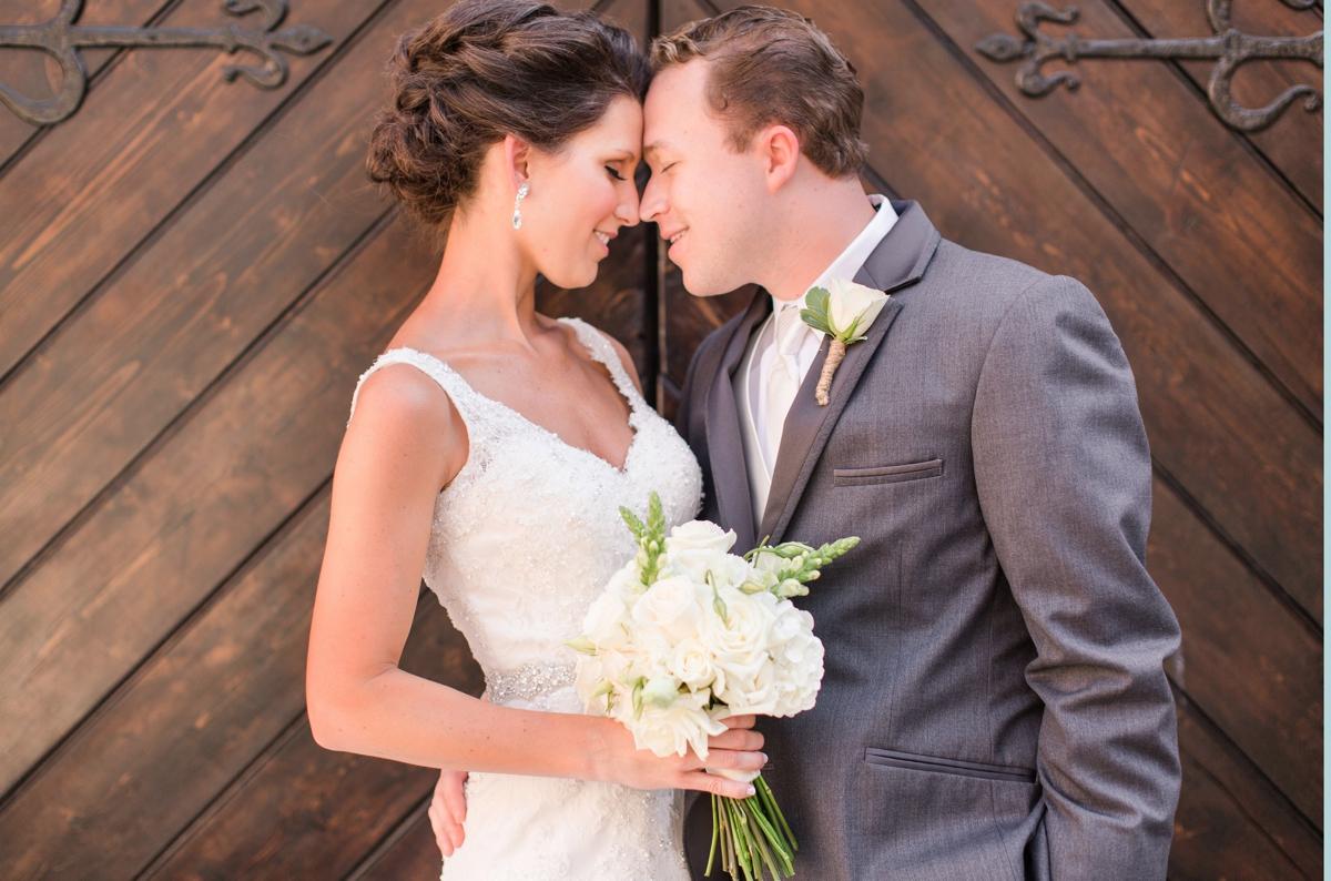 A Blush Colored Rustic Williamsburg Winery Wedding Photo_0984