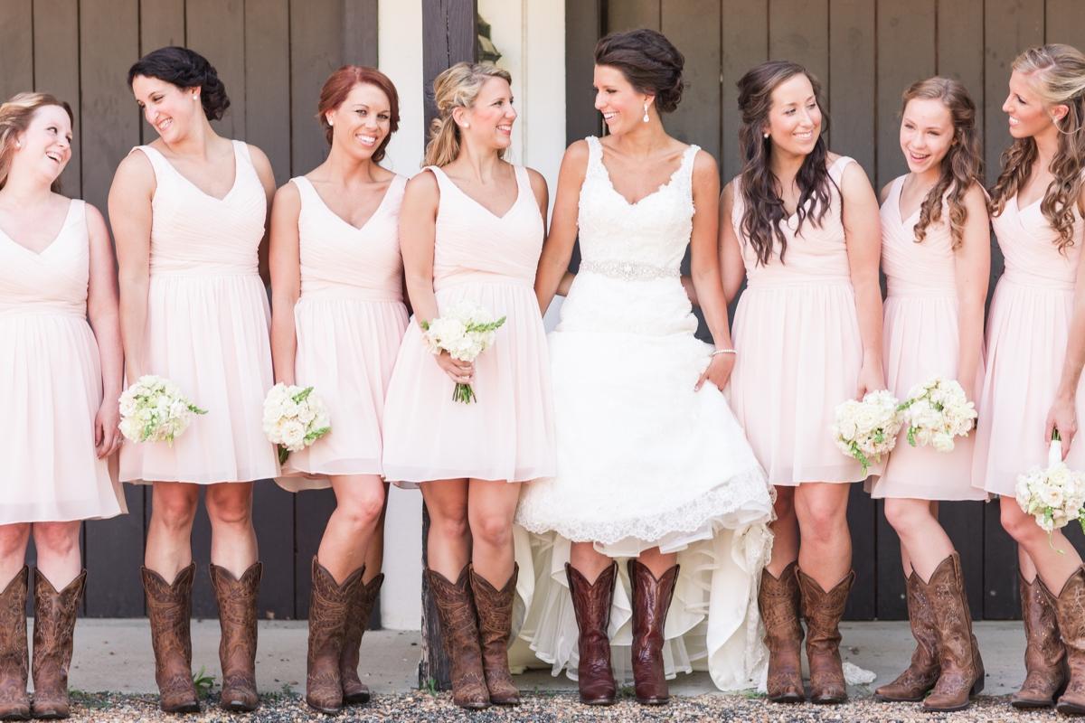 A Blush Colored Rustic Williamsburg Winery Wedding Photo_1007