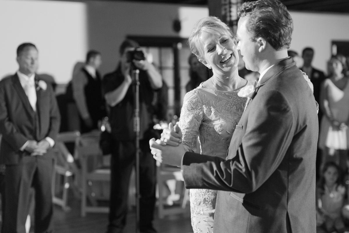 A Blush Colored Rustic Williamsburg Winery Wedding Photo_1045