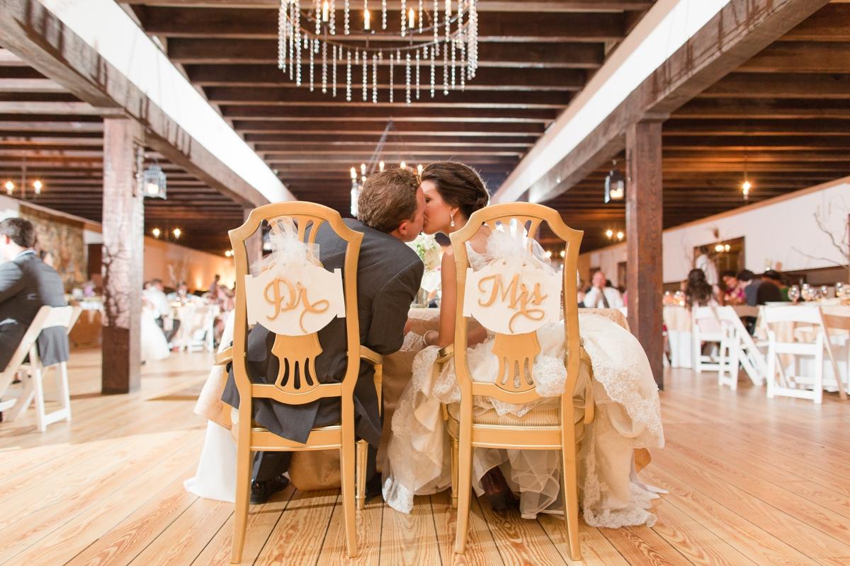 A Blush Colored Rustic Williamsburg Winery Wedding Photo_1056