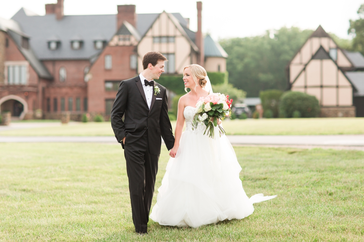 An Elegant Country Estate Wedding at Dover Hall Photos_1700