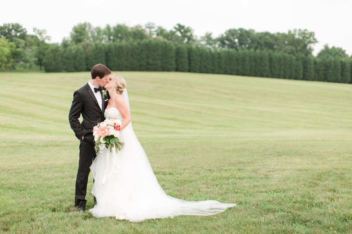 An Elegant Country Estate Wedding at Dover Hall Photos_1701