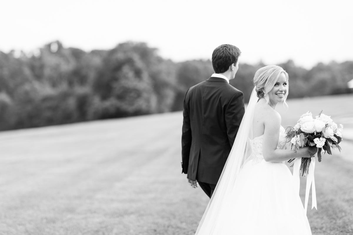 An Elegant Country Estate Wedding at Dover Hall Photos_1704