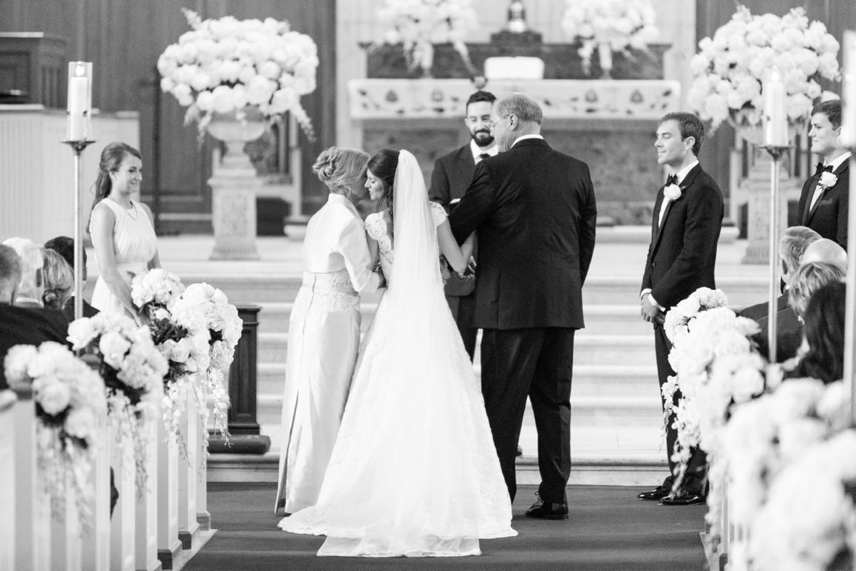 A Classic Country Club of Virginia Wedding in Richmond Virginia Photos_2133
