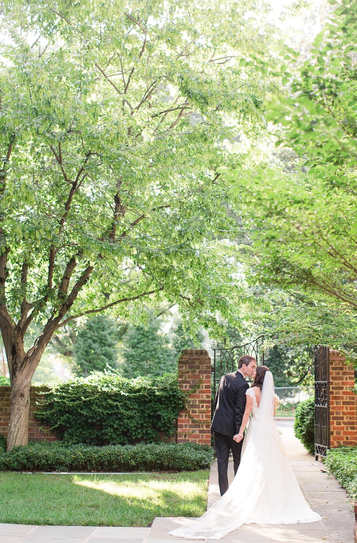 A Classic Country Club of Virginia Wedding in Richmond Virginia Photos_2158