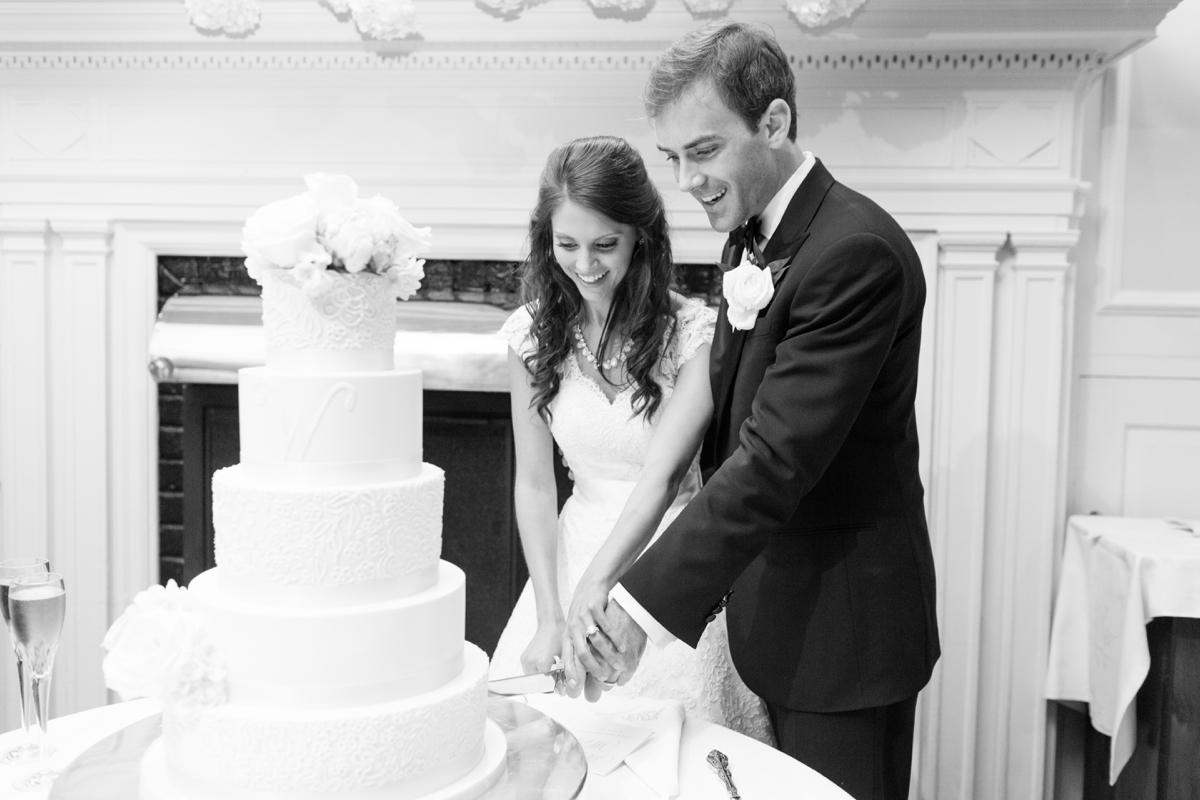 A Classic Country Club of Virginia Wedding in Richmond Virginia Photos_2206