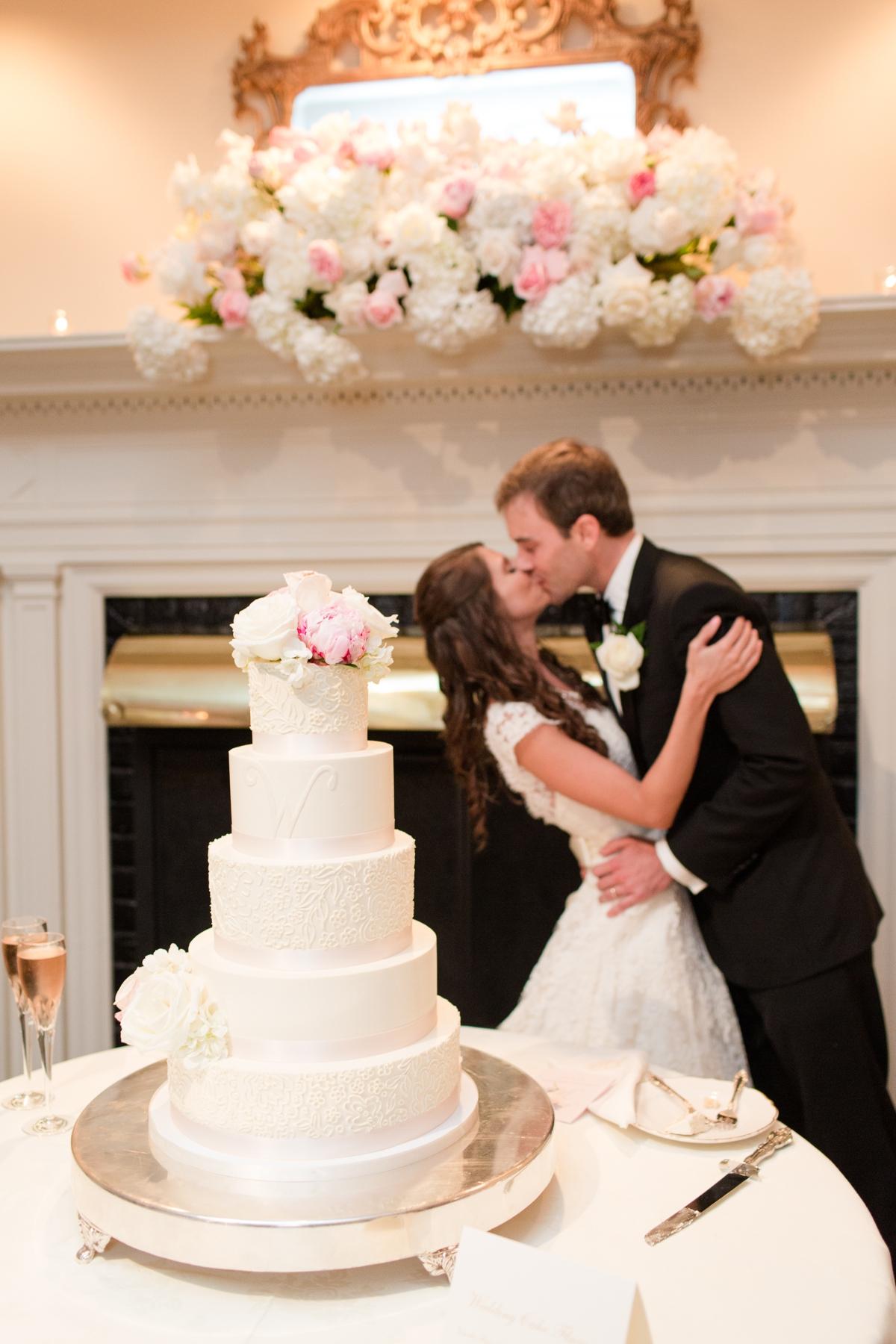 A Classic Country Club of Virginia Wedding in Richmond Virginia Photos_2207