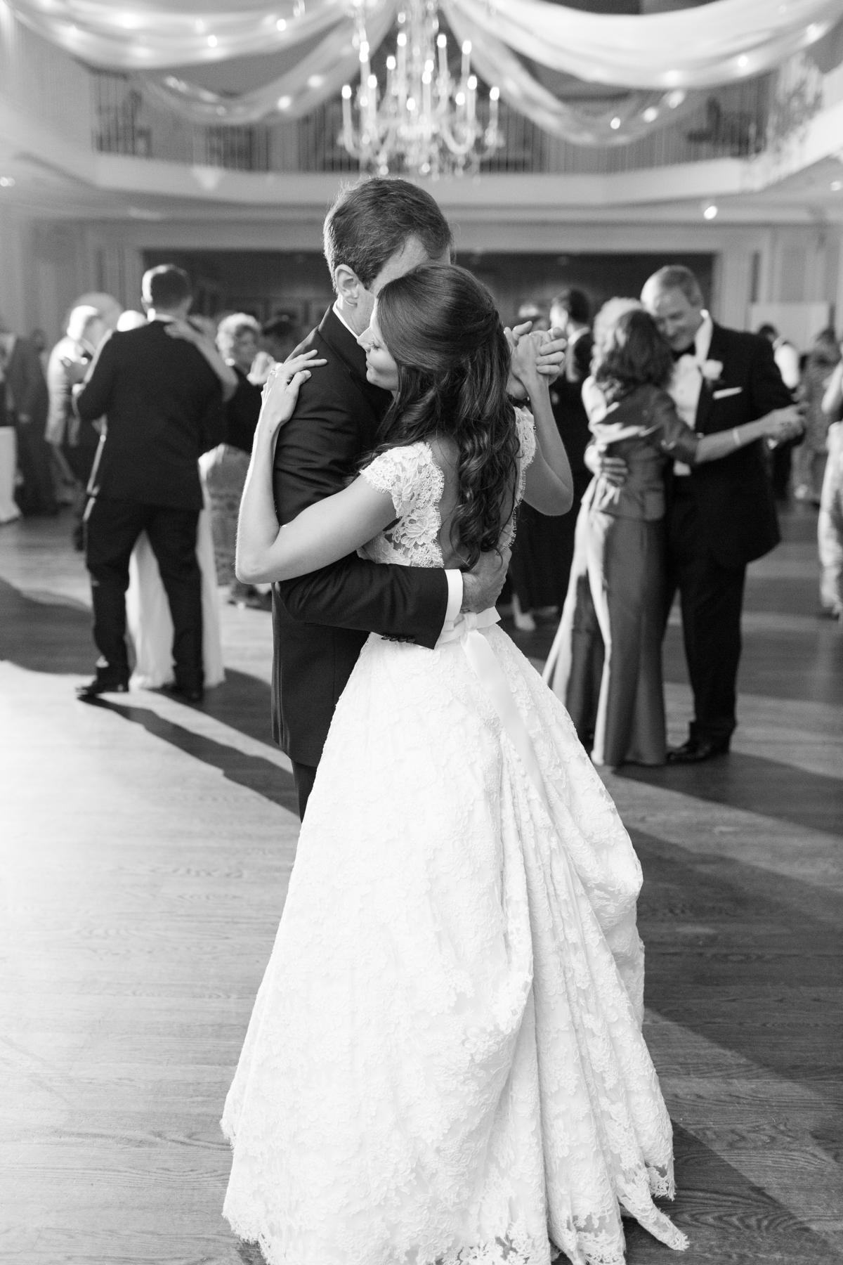 A Classic Country Club of Virginia Wedding in Richmond Virginia Photos_2212