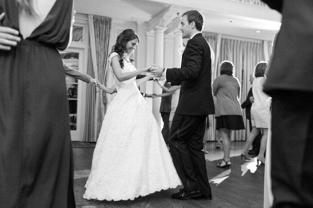A Classic Country Club of Virginia Wedding in Richmond Virginia Photos_2216