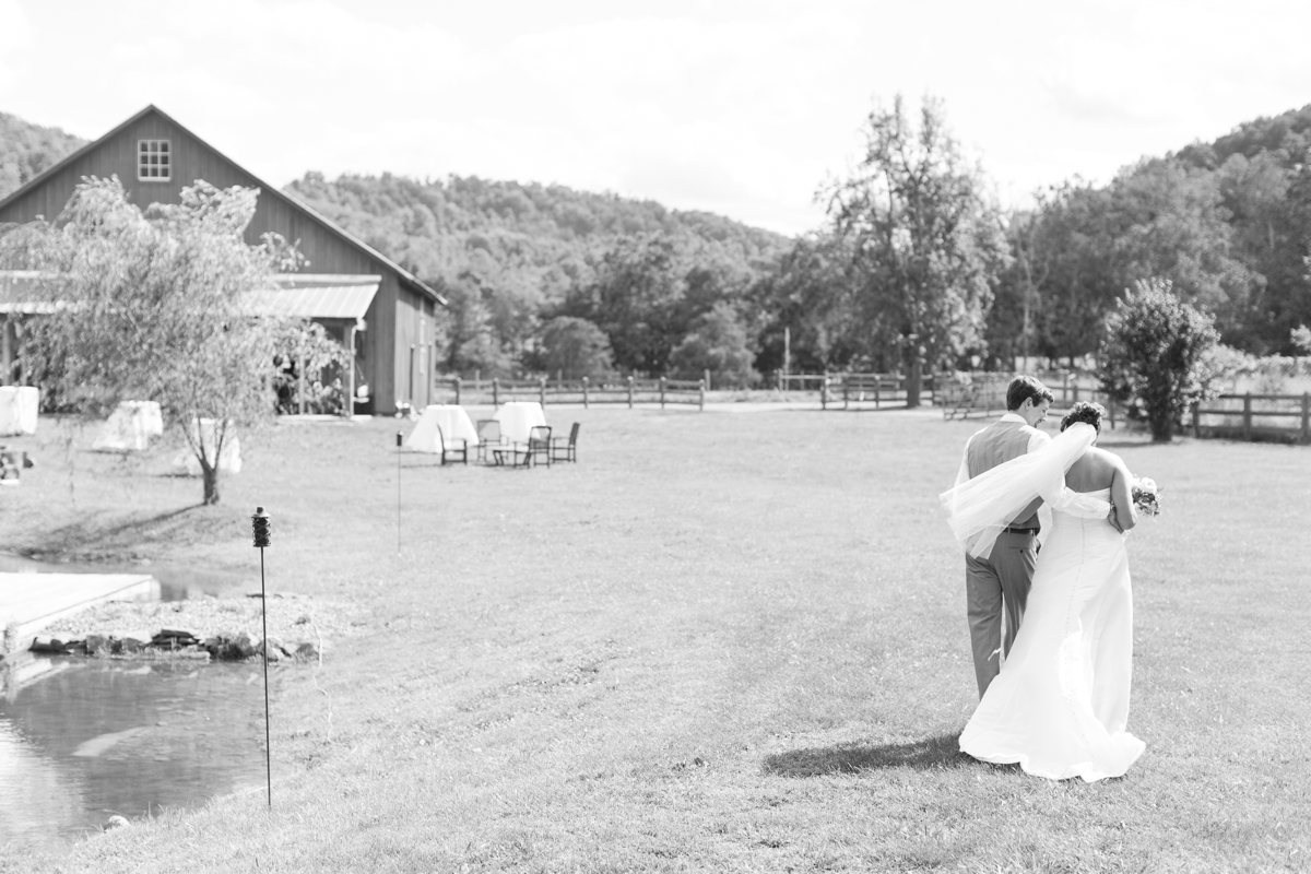 Big Spring Farm Barn Wedding photos barn venue_1900