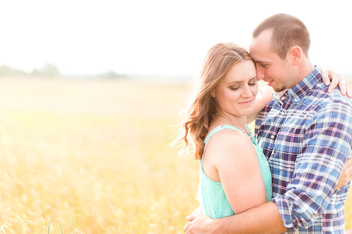 Summer Bull Run Winery Engagement Photos_1798