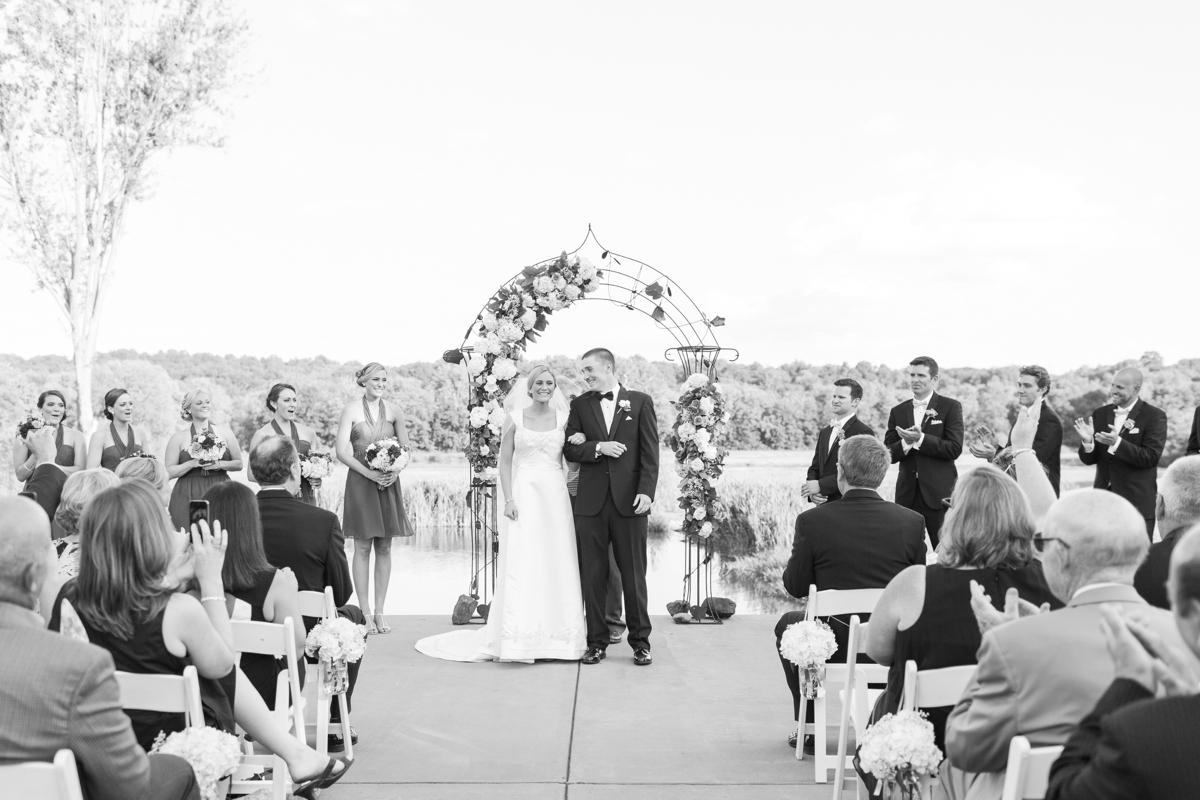 Riverside On the Potomac Barn Wedding Photos_3032