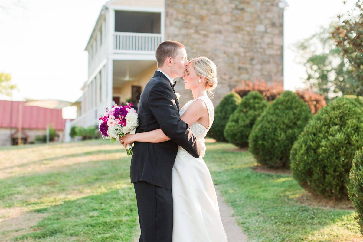 Riverside On the Potomac Barn Wedding Photos_3052