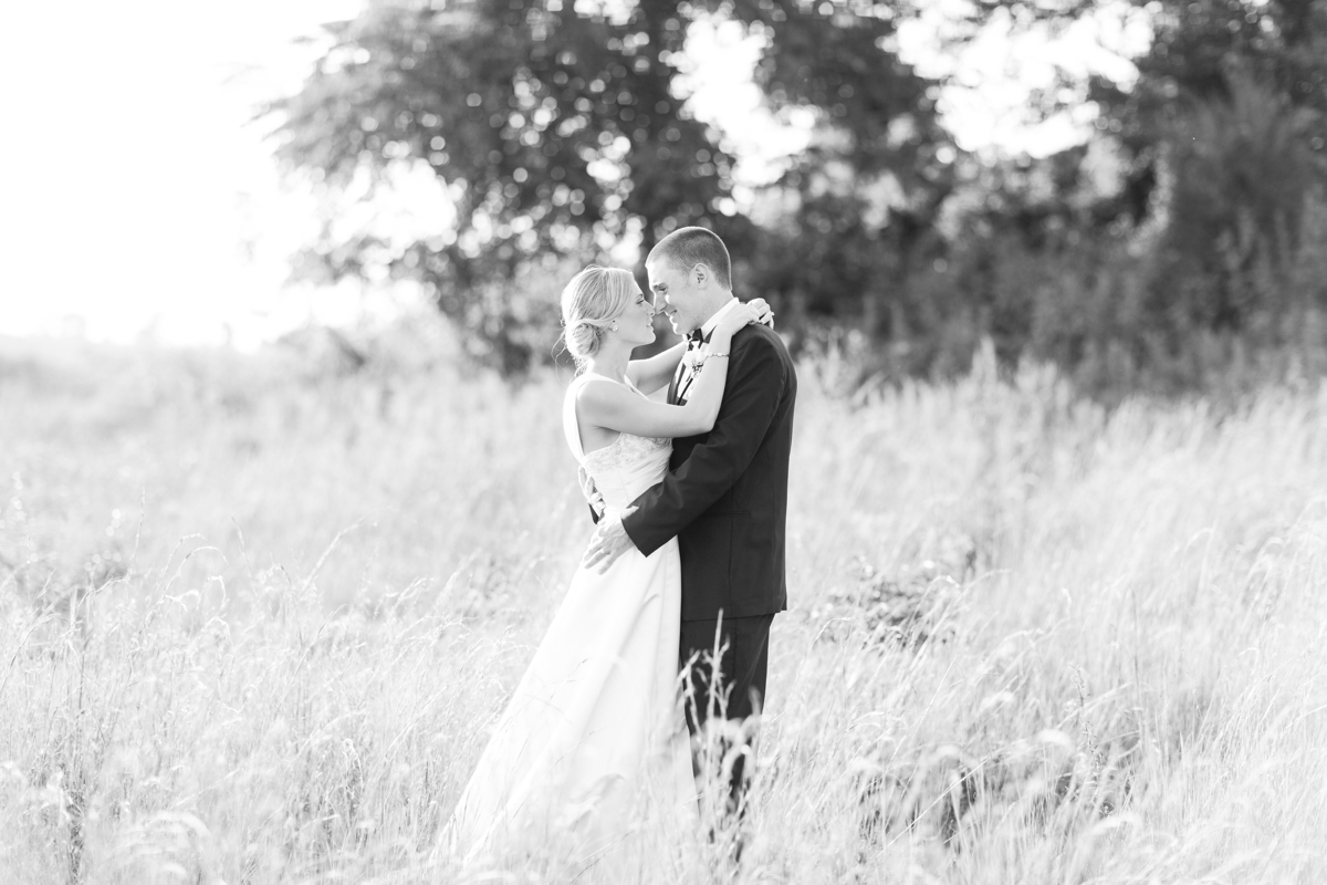Riverside On the Potomac Barn Wedding Photos_3067