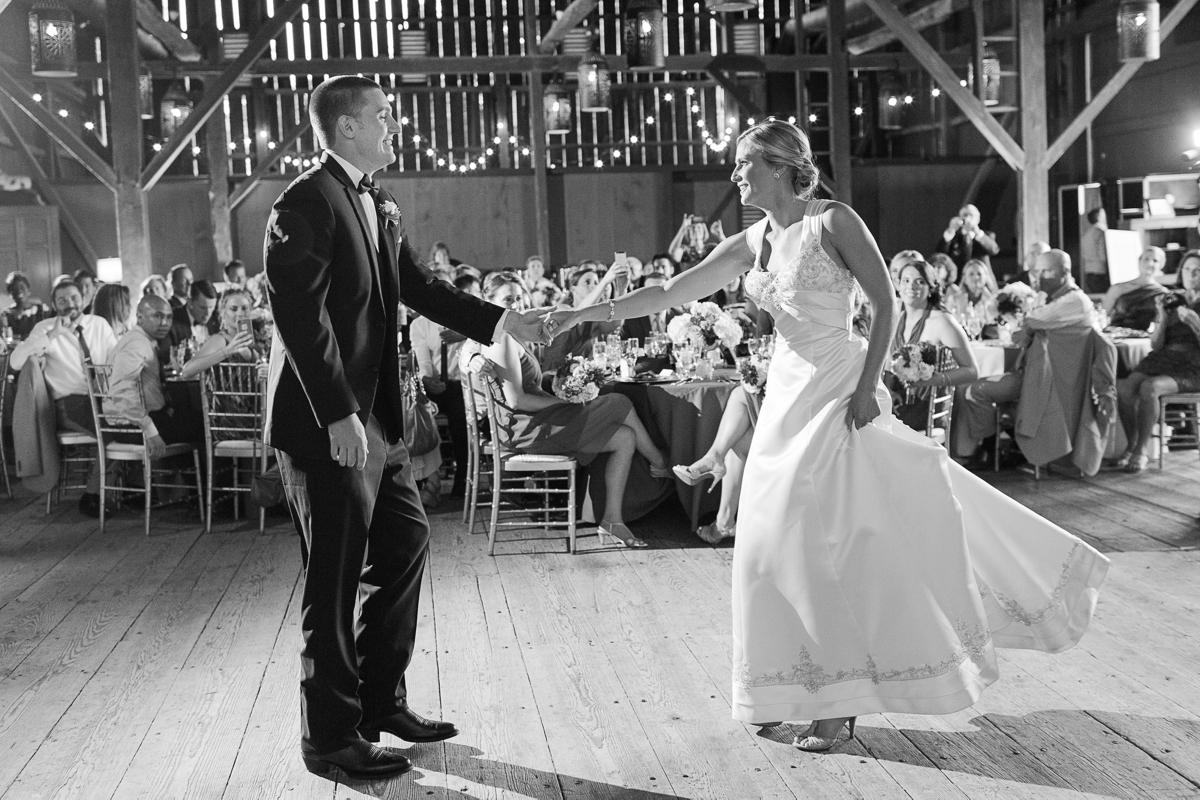 Riverside On the Potomac Barn Wedding Photos_3084