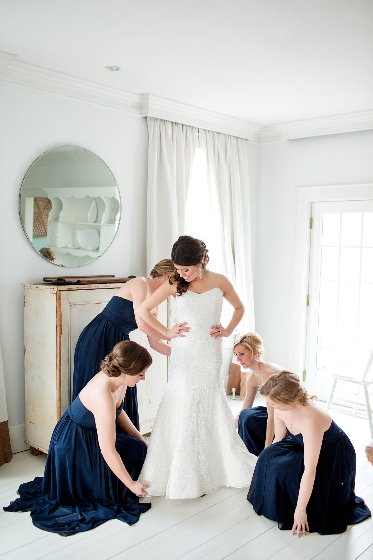 When Bridesmaids Should Get Ready In Order To Get Great Images