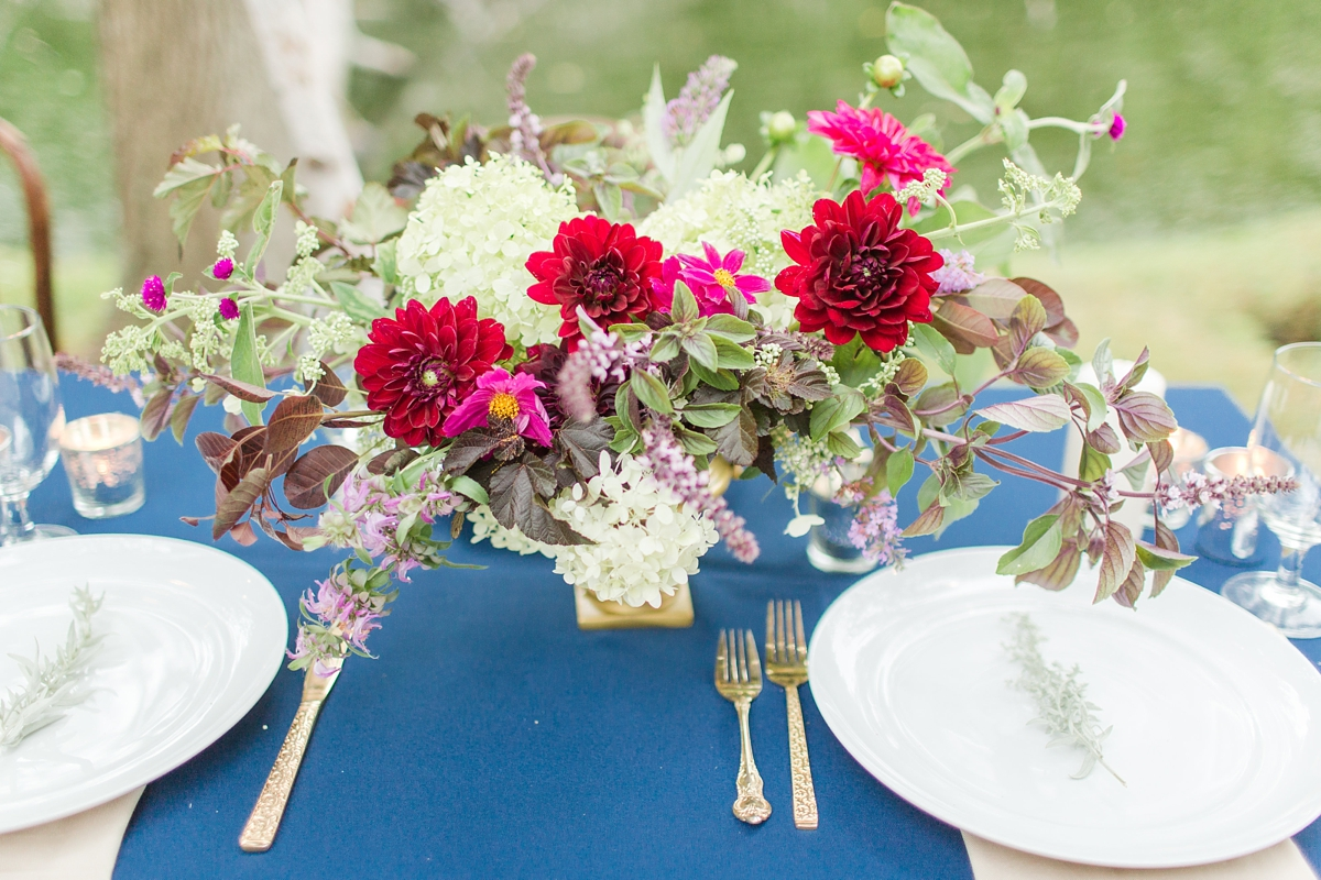 outdoor dinner under the stars with floral chandelier_5661