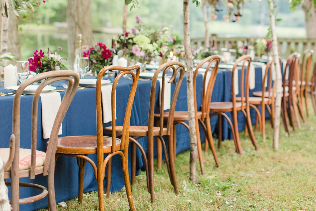 outdoor dinner under the stars with floral chandelier_5663
