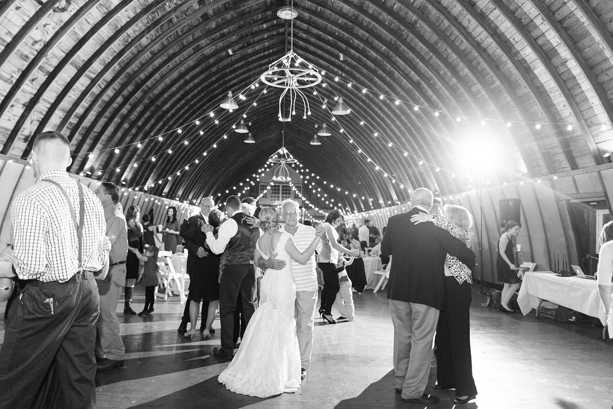 rustic virginia barn wedding_5800