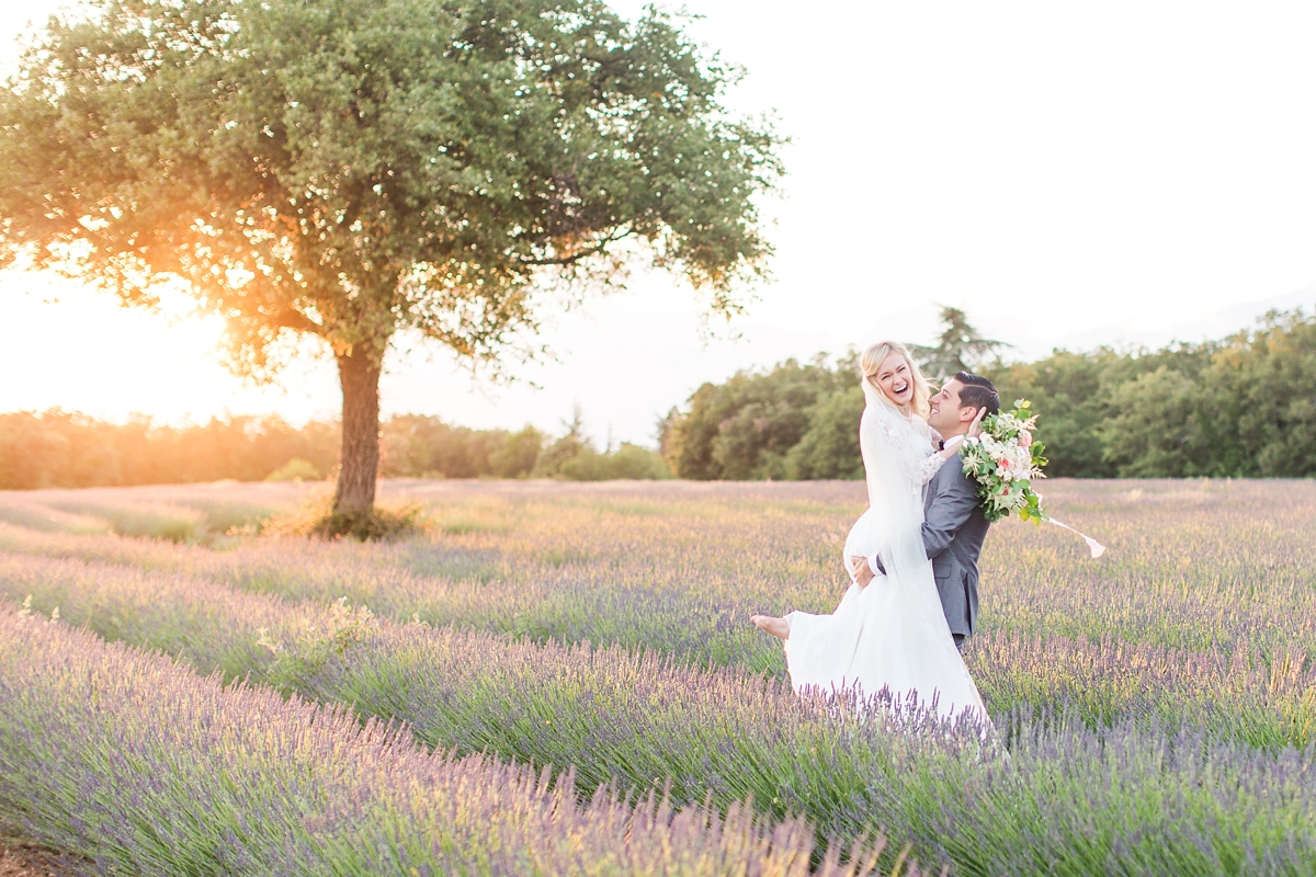 wedding portraits in frenchlavender fields in provence, Franve by photographer Katelyn James_1800