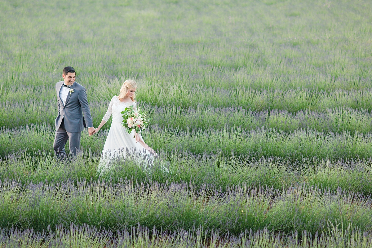wedding portraits in frenchlavender fields in provence, Franve by photographer Katelyn James_1803