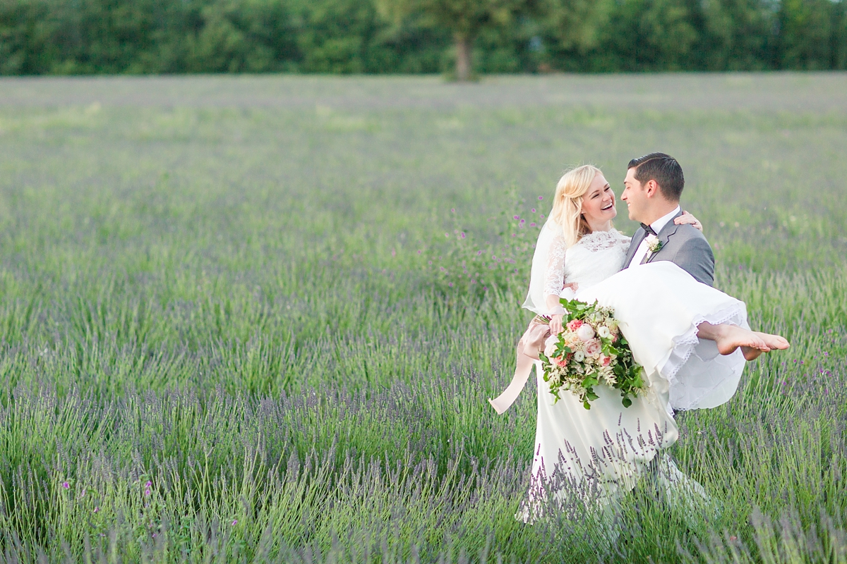 wedding portraits in frenchlavender fields in provence, Franve by photographer Katelyn James_1811